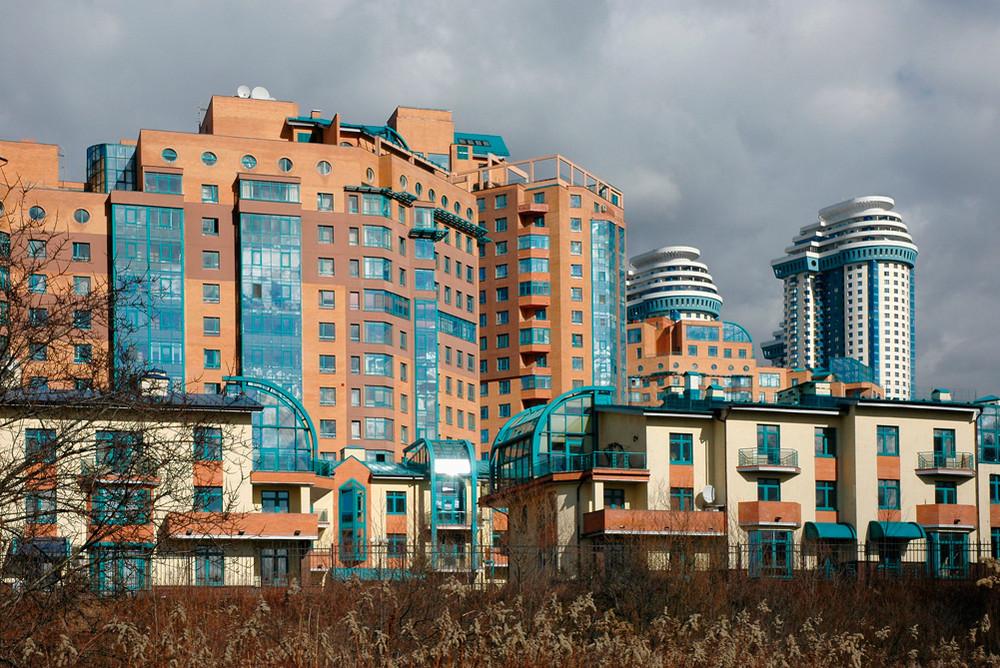 Где выгоднее купить жилье: в Москве или Ницце?