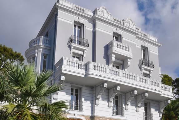 На Лазурном Берегу выставлен на продажу особняк Villa Marizzina