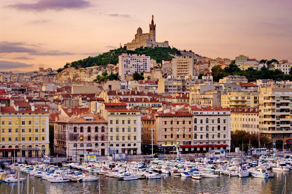 Иностранцы стали чаще покупать недвижимость за пределами Парижа