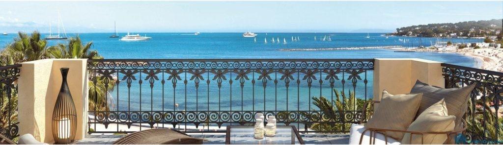 Покупка недвижимости на берегу моря во Франуии