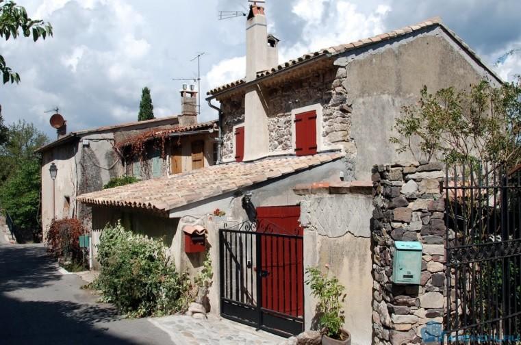На что обращать внимание при поиске недвижимости на юге Франции