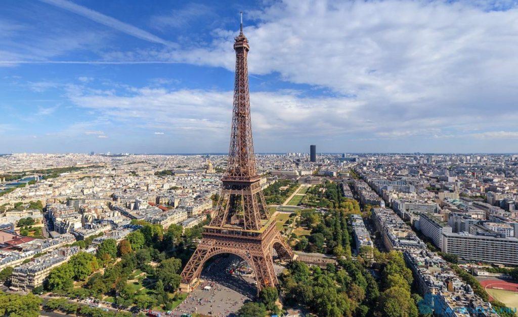 В Париже открылись три новые туристические зоны