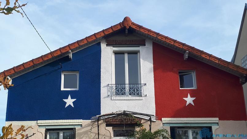 Француз перекрасил свой дом в честь победы футбольной команды на чемпионате мира