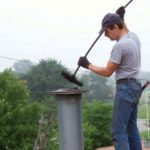 Готовимся к холодам: чистка дымохода